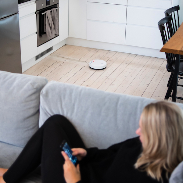 The robot vacuum cleaner that gets access everywhere